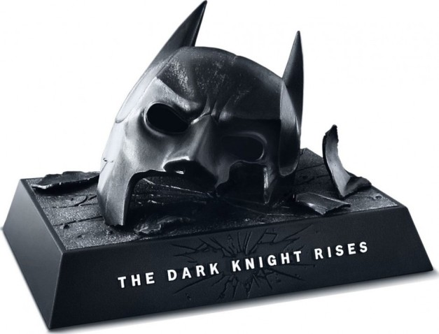 The Dark Knight trilogie - Page 3 The-dark-knight-rises-2012-movie-broken-cowl-cover-e1348691586841